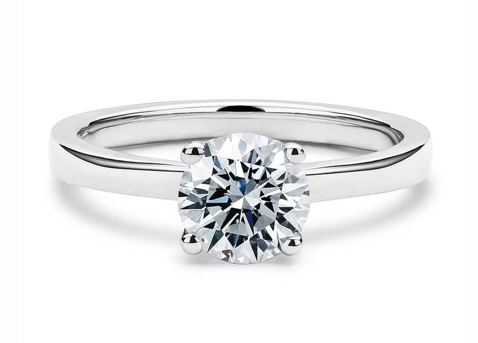 Μονόπετρο δαχτυλίδι μπριγιάν με απλότητα   φινέτσα f453cf6eb94