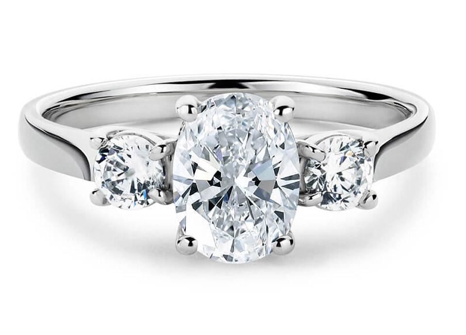 Μονόπετρο δαχτυλίδι μπριγιάν σε chic σχέδιο 239f9778bc4